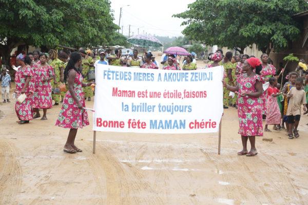 Brassivoire célèbre les Mamans à Akoupé Zeudji