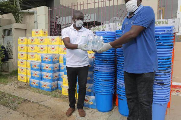 Brassivoire a procédé, le jeudi 02 avril 2020, à une remise de dons à l'Hopital Général D'Anyama dans le cadre de la lutte contre la pandémie du COVID-19.