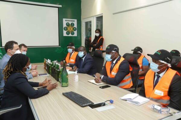 Le Ministre de la Promotion de L'Investissement Privé, M. Emmanuel Esmel Essis visite la brasserie de Brassivoire